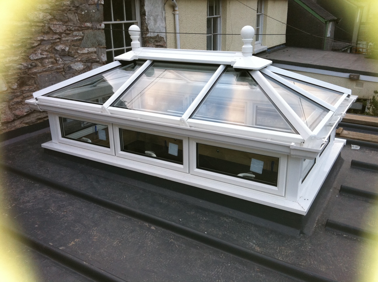 Aluminium roof lanterns from omega build uk roof lanterns for Buy cupola