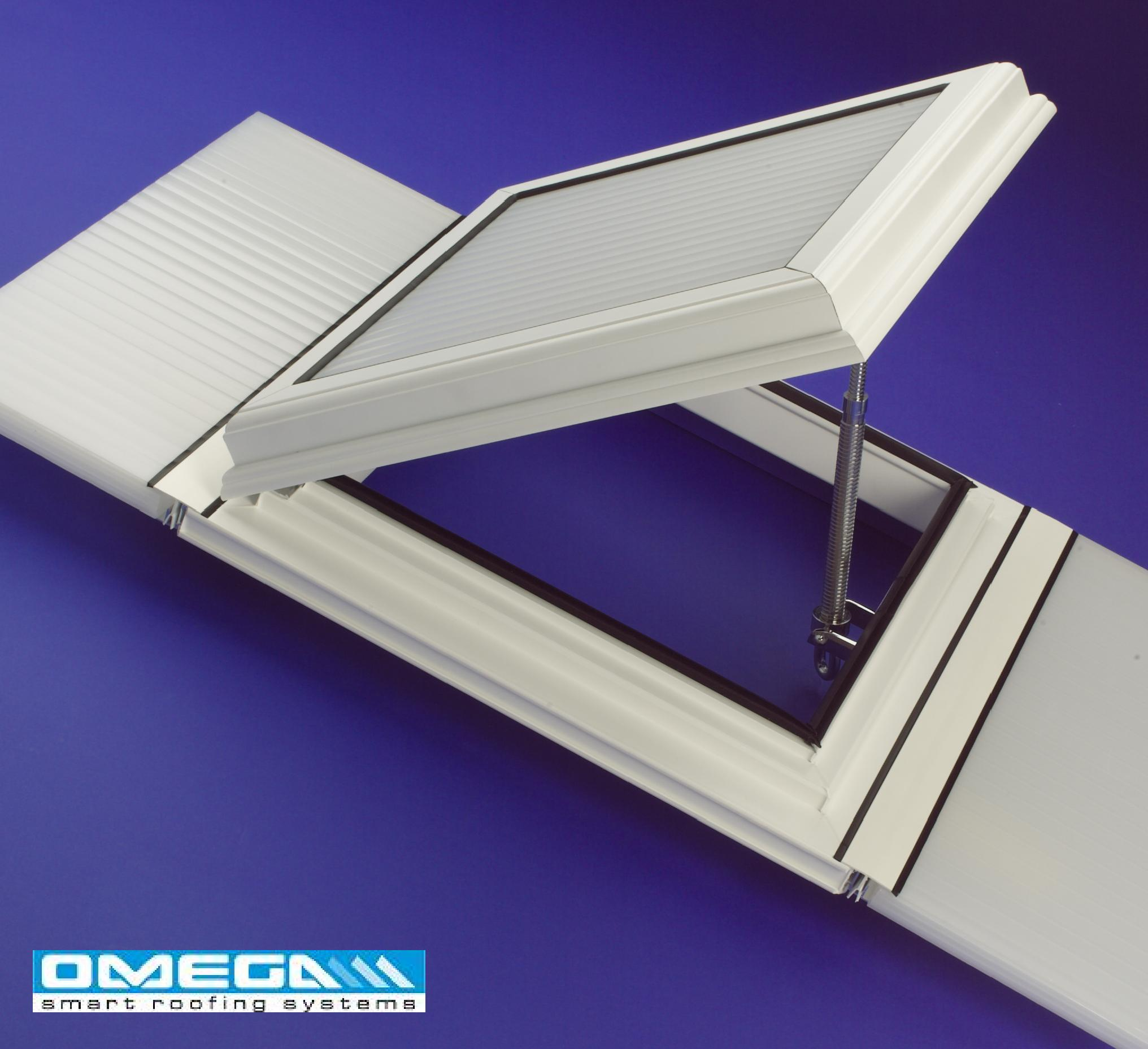 Aluminium/uPVC Conservatory Roof Vent (Bar-to-Bar) for 25mm thick polycarbonate