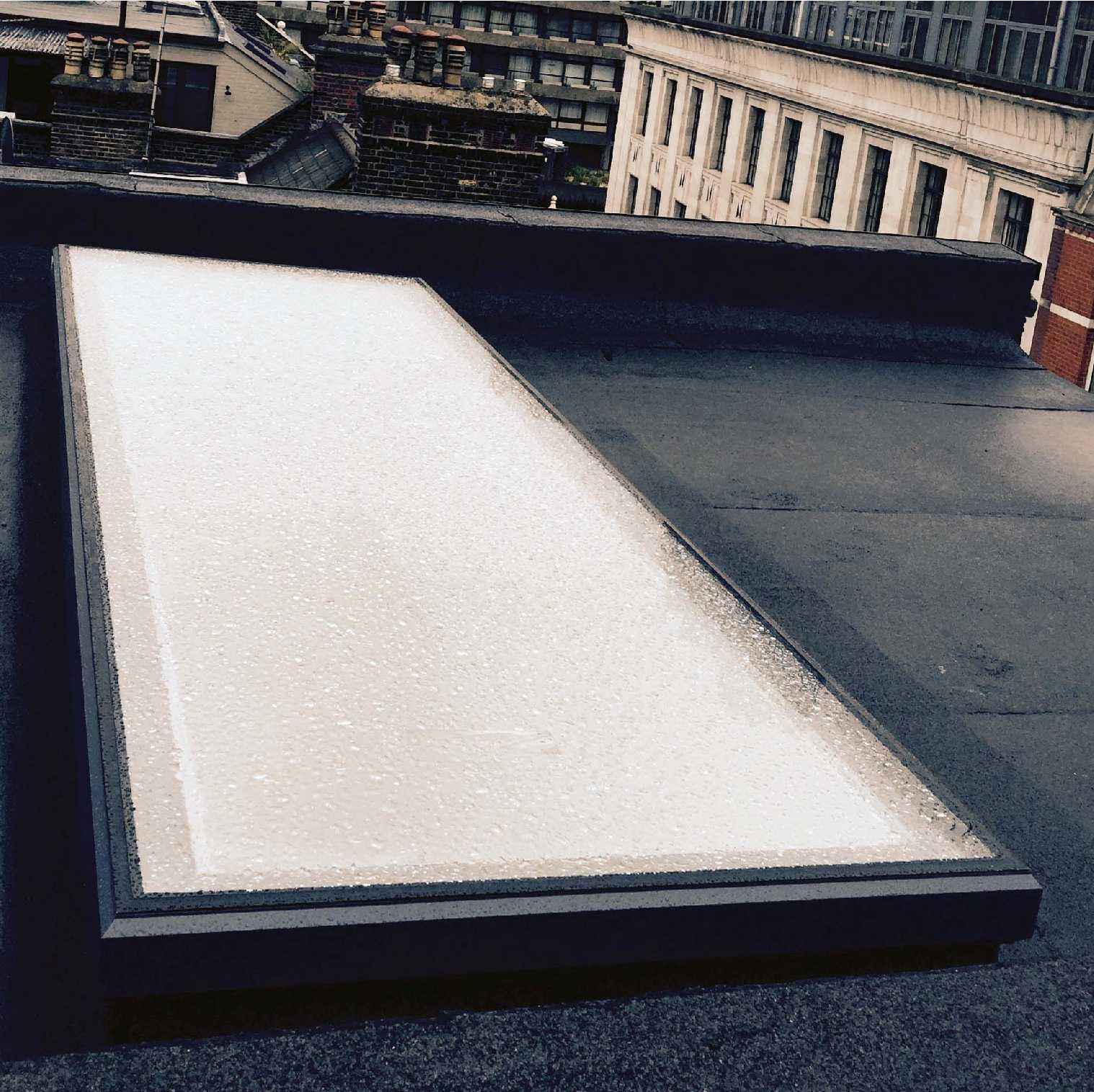 Great selection of EcoGard Flat Roof light, Double Glazed, Fixed, 1,000mm x 1,000mm