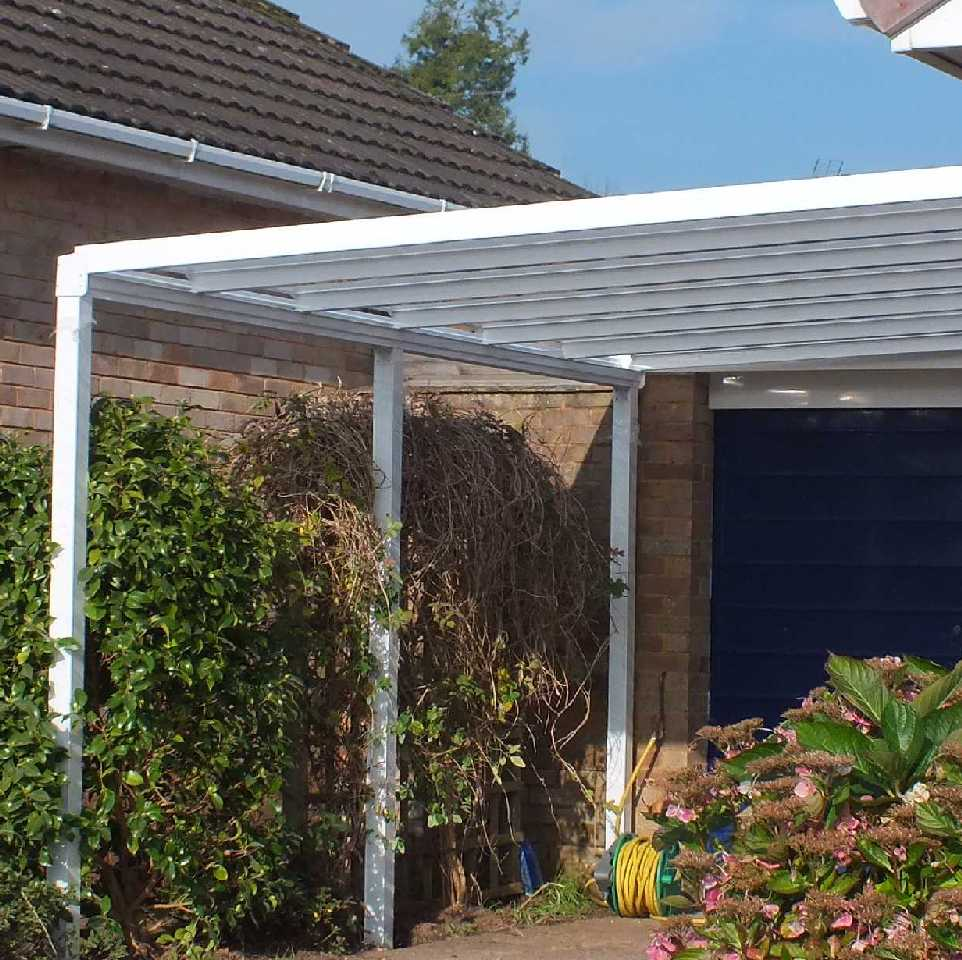 SPECIAL OFFER Omega Smart Lean-To Canopy, 16mm Opal Polycarbonate Glazing - 4.0m (W) x 2.5m (P), (3) Supporting Posts