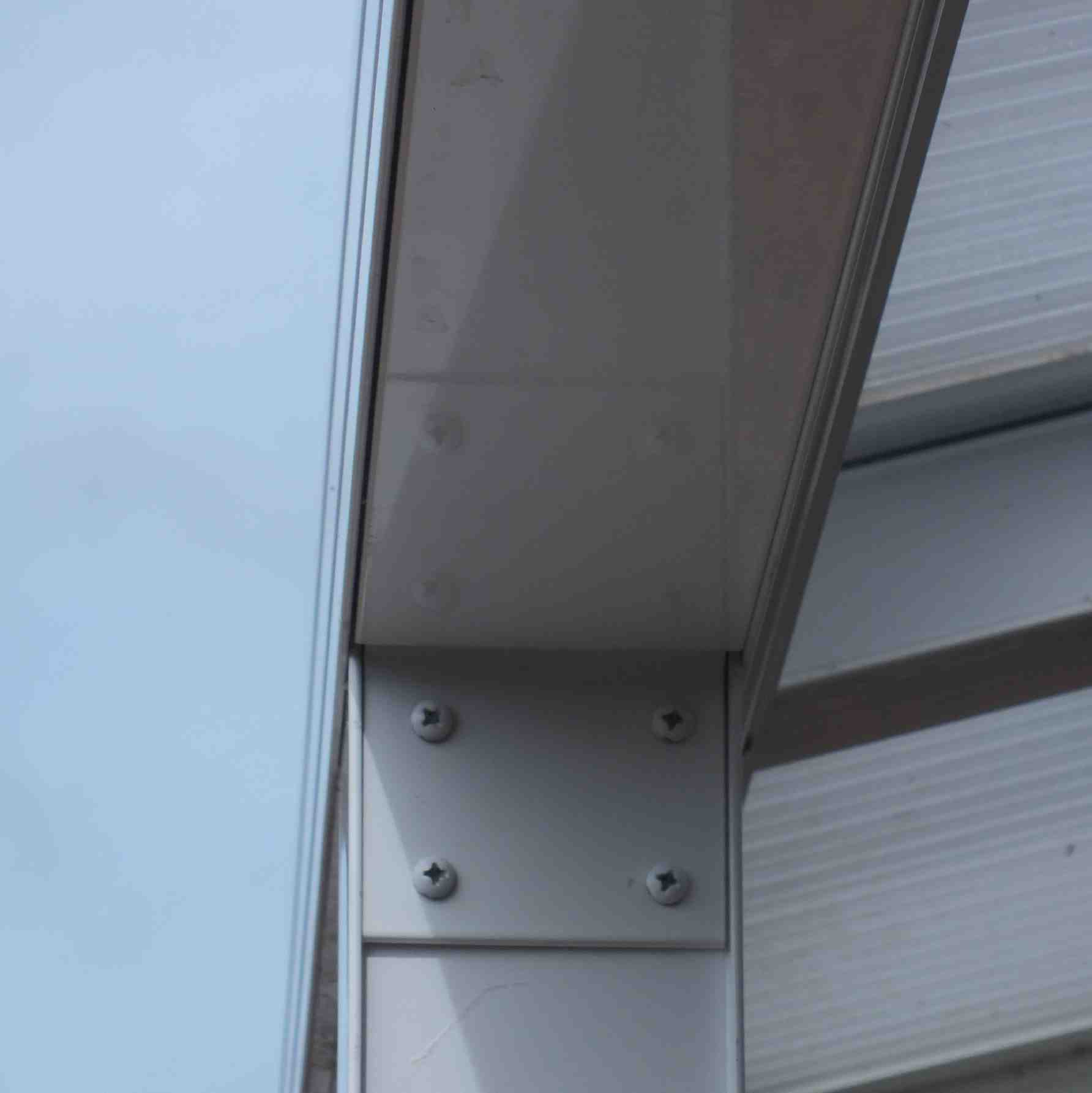 Affordable Omega Verandah with 6mm Glass Clear Plate Polycarbonate Glazing - 2.8m (W) x 2.5m (P), (2) Supporting Posts